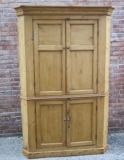 antique english pine corner cupboard piece separates into top and bottom for easier deliverysize l x w x h 51 x 225 x 78item no 25 0416price antique english pine armoire